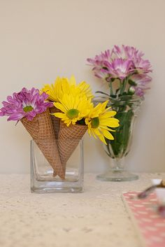 ice cream cone flowers - easy and simply. Used for ice creame party