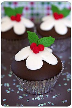 christmas pudding cupcake
