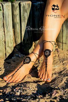 Boda de playa negra de cuentas Crochet sandalias por RonenDesign