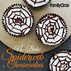 No-Bake Spiderweb Cheesecakes #halloween #dessert #fall #party