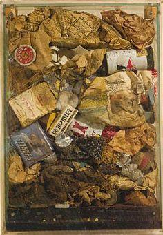 Grands déchets bourgeois, Déchets ménagers dans une boîte en verre, 675 x 440 x 98 mm, 1960
