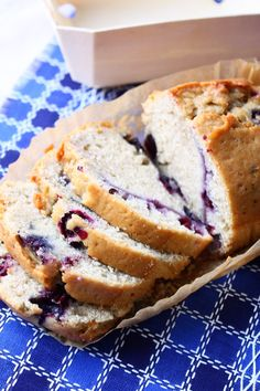 Cassis cake die je van thee maakt Good Healthy Recipes, Healthy Snacks, Cheesecake, Sweet Life, Cake Cookies, Fudge, Banana Bread, Pie, Fruit