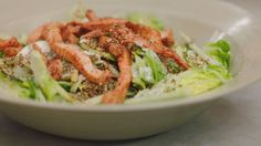 Eén - Dagelijkse kost - salade met reepjes kip, komkommer, appel en sesam