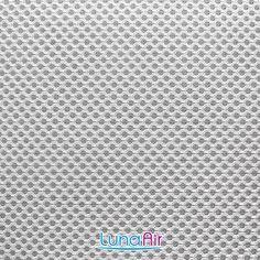ルナエアーに使用されている「ダブルラッセル」というメッシュ素材がこれです。 肌触りもよく通気性の良い生地で、ハニカムタイプの強い素材です。 Words, Horse