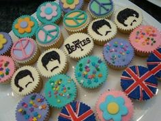 The Beatles Pop Culture Cupcakes That Look Too Cool To Eat Beatles Birthday Party, Barbie Birthday, 70th Birthday, Birthday Parties, Birthday Cakes, Birthday Ideas, Beatles Cake, Les Beatles, Fun Cupcakes