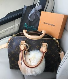 #Louis #Vuitton Monogram Speedy Handbags For Women. A Classic LV Bag is A best Accessories to wear.