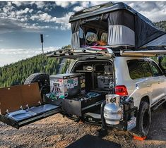Overland Mobile Kitchen with Accuride Heavy-Duty Drawer Slides - Trend Camping Outfits 2020 Ute Camping, Truck Bed Camping, Camping Set Up, Land Cruiser 200, Toyota Land Cruiser, Nissan Navara, Suv Camper, Camper Van, 4x4 Toyota