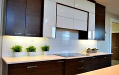 10 Professional Home Cleaning Hacks - Remove grease buildup on cabinets