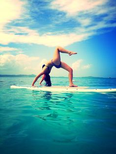One legged wheel pose on a paddle board, Palomino Island, Puerto Rico. Poses Around The World Yoga Inspiration, Fitness Inspiration, Paddle Board Yoga, Sup Stand Up Paddle, Sup Yoga, Teacher Favorite Things, Paddle Boarding, Yoga Teacher, Yoga Meditation