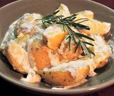 Rosmariiniperunat / Rosemary potatoes Rosemary Potatoes, Root Vegetables, Camembert Cheese, Side Dishes, Food, Essen, Yemek, Side Dish, Appetizer