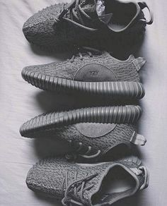 The Best Men's Shoes And Footwear : Envy Avenue > Adidas Yeezy 350 Boost Source: EnvyAvenue - Fashion Inspire Sneakers Mode, Sneakers Fashion, Fashion Shoes, Fashion Outfits, Only Fashion, Mens Fashion, Runway Fashion, Fashion Models, Sporty Fashion