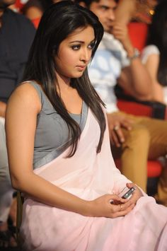 Catherine Tresa in saree wallpapers, Catherine Tresa in saree photo gallery,Catherine Tresa in saree cute wallpapers Most Beautiful Indian Actress, Beautiful Actresses, Beautiful Girl Image, Gorgeous Girl, Gorgeous Women, South Indian Actress, South Actress, Indian Celebrities, India Beauty