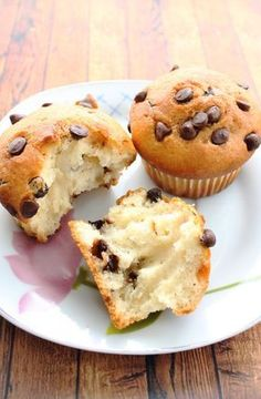 Sweet Isis: Vanilla Muffins and Chocolate Chips Cupcake Recipes, Dessert Recipes, Chocolate Muffins, Chocolate Chips, Healthy Muffins, Drip Cakes, Food Cakes, Chip Cookies, Sweet Recipes