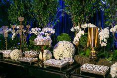 Mesa de doces em verde e branco - Casamento Moderno