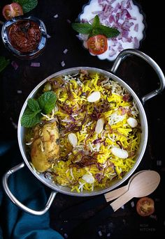Easy chicken biryani you can make any day. Super delicious and flavorful. Biryani Recipe, Chaat Recipe, Easy Chicken Recipes, Veggie Recipes, Veggie Food, Rice Recipes, Turkey Recipes, Easy Recipes, Fast Recipes