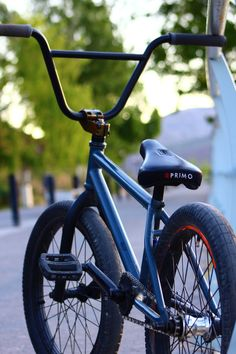Bmx 20, Bmx Cycles, Gt Bmx, Bmx Street, E Skate, Bmx Freestyle, Black And White Sketches, Women Life, Skateboards