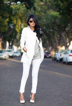 Zara white coat, grey top, white pants and shoes #walkinwonderland