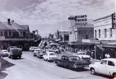 Traffic along Crown St, Wollongong in the south coast of New South Wales in 1970.