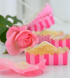 http://blog.giallozafferano.it/mieledilavanda/2013/05/10/mini-plumcake-allo-yogurt-ricetta-dolce/