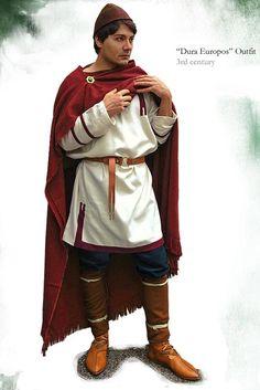 Roman Outfit 3rd cent, Dura Europos Tunica cum clavi, Fringed Sagum, Tutulus brooch, Thorsberg trousers unfooted, Greek (Spartan) felt Pilos,
