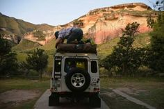 Putting up the tents in stunning nature at tge Golden Gate Highlands National Park in South Africa.