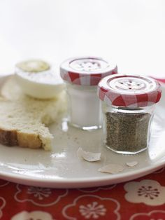 DIY: Salt & Pepper Shakers out of mini jelly jars....these are super cute!