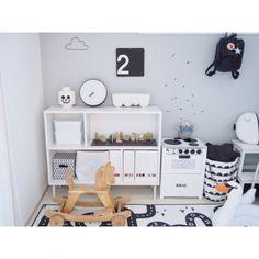 chakiさんの、部屋全体,IKEA,子供部屋,北欧,セリア,シンプル,白黒,雲,モノトーン,こども部屋,木馬,キッズスペース,BRIO,こどもスペース,レターバナー,ファームリビング,遊び部屋,ラッキーボーイサンデー,モノトーンインテリア,こどもと暮らす。,ig☞chay_ttt,のお部屋写真