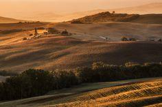Warm dawn in Val d'Orcia by Fabrizio Lunardi on 500px