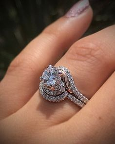 Weekend vibes, with a twist. Would you say yes? #diamondring #diamonds #engagementrings #trophywife