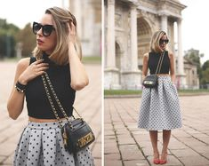 nice skirt Source by outerinner balenciaga Mango Shoes, Moschino Bag, Chic Outfits, Fashion Outfits, Look Formal, Topshop Skirts, Dressy Tops, Celebrity Look, Street Style Women
