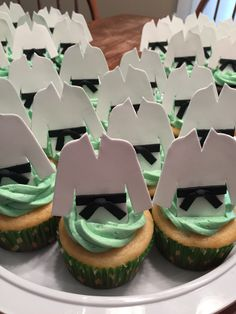 Karate themed cupcakes Más