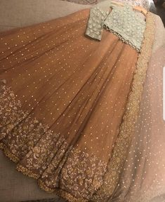 📲 WhatsApp Shipping Worldwide🌏⠀⠀ Pre booking only ⠀⠀ advance other after complete work Shipping cost must pay to you. Shadi Dresses, Pakistani Formal Dresses, Pakistani Wedding Outfits, Pakistani Dress Design, Pakistani Wedding Dresses, Bridal Outfits, Pakistani Mehndi Dress, Lehenga Designs, Choli Designs