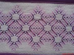 Discover thousands of images about Patrones Punto de Cruz: punto yugoslavo Swedish Embroidery, Towel Embroidery, Hand Work Embroidery, Cross Stitch Embroidery, Embroidery Patterns, Swedish Weaving Patterns, Chicken Scratch Embroidery, Monks Cloth, Weaving Designs