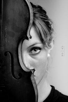 La jeune fille au violon by Didier Guilleux ( HDG )