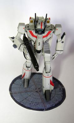 Hasegawa Macross VF-1J Battroid 1/72 Robotech