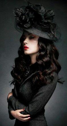 Witches - Vampires - Goths with Style goth gothic fashion style black women lady girl women www. Dark Beauty, Gothic Beauty, Gothic Makeup, Fantasy Makeup, Goth Victorien, Steampunk Mode, Foto Glamour, Gothic Mode, Dark Fashion