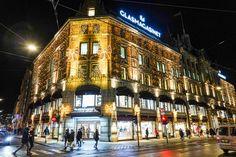 Julemagi i Oslo – Med koffert og kamera Oslo, Multi Story Building