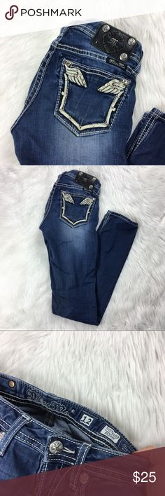 Miss Me Girls dark wash Skinny jeans Skinny legs, missing a stud on back, very comfortable Miss Me Bottoms Jeans