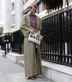 """941 Likes, 8 Comments - seamapplique (@seam_applique) on Instagram: """"This kimono 🤗via @glamometer  #ootd #outfitoftheday #lookoftheday #fashion #fashiongram #style…"""""""