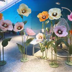 А вы уже решили, как 8 марта порадуете своих близких/коллег/клиентов?♀️❤️ Наши фотозоны из огромных цветов приведут всех женщин в восторг!!! Проверено!☝ . Стоимость фотозоны - 18000р с доставкой и монтажом. . По наличию и бронированию пишите в Директ или +79267032736 #большиецветы #ростовыецветы #бумажныецветы #фотозона #фотозонаваренду #paperflowers #giantflower