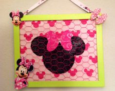 bow organizer holder display board disney minnie mouse jewelry accessory necklace frame chicken wire baby girl