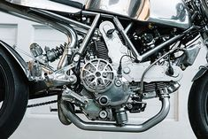LIQUID MENTAL. A Polished Ducati Cafe Racer from Walt Siegl - Pipeburn.com