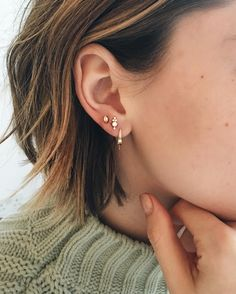 Trend: we want a constellation of piercings in our ears! - Kefo - You are in the right place about Piercing ear infection Here we offer you the Piercings Bonitos, Jewelry Box, Jewelry Accessories, Geek Jewelry, Summer Accessories, Jewelry Ideas, Fine Jewelry, Jewelry Necklaces, Jewelry Design