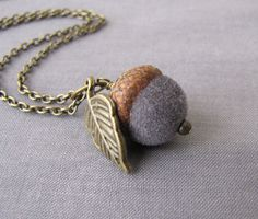 acorn craft...would be cute with a needle felted acorn and then little leaf