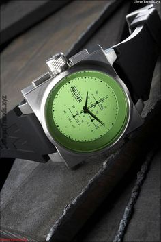 d9e08a6374f Schweißer K26 Uhren geben Farboptionen mit vier austauschbaren  Kristallgläsern  austauschbaren  farboptionen  geben