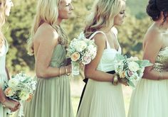 Pretty bridesmaids | photos by Anjuli Paschall | 100 Layer Cake