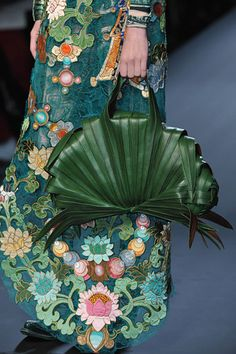 Details of Jean Paul Gaultier Spring 2010 Couture Collection Couture Handbags, Fashion Handbags, Fashion Bags, Fashion Accessories, Paul Gaultier Spring, Jean Paul Gaultier, Catwalk Collection, Couture Collection, Art Bag