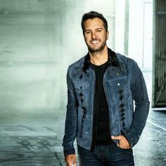 Luke Bryan Pictures, Weird Pictures, Country Music Artists, Country Singers, Luke Luke, Shake It For Me, Goin Down, Love To Meet, Country Boys