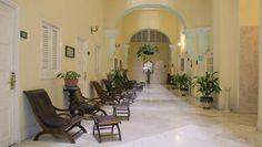 Descubrir la Habana colonial es un placer adicional para los huéspedes del Inglaterra, el hotel más antiguo de Cuba. Inaugurado en 1875, el Inglaterra es actualmente uno de los hoteles más populares de la Habana, debido a su atmósfera evocadora y a su buena ubicación.