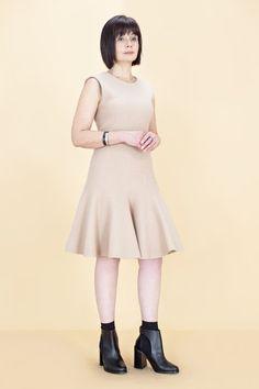 Женщины старше 50 примеряют модные образы. Изображение №22.